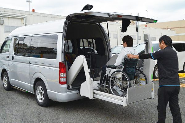 サービス紹介 介護タクシー
